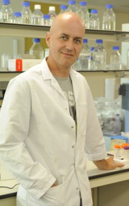 Dr. Koen Vandenbroeck