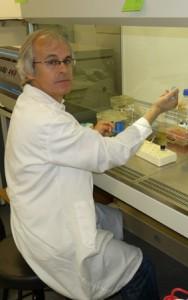 Dr. Carlos Matute